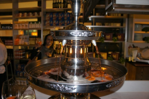 negroni fountain - it's the stuff dreams are made of - look who's in the background - again! ha!